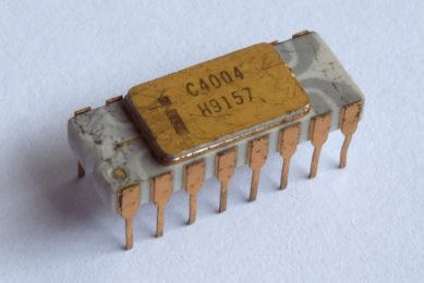 first microprocessor Intel 4004