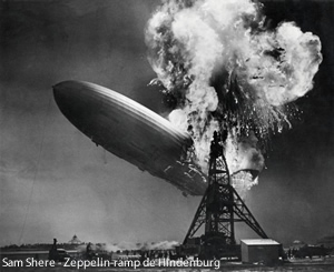 Hindenburg Zeppelin in Flammen