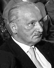 Martin Heidegger photo: Willy Pragher, license cc-by-sa-3.0 - 180px-Heidegger_4_(1960)_cropped