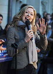 Portrait of Chelsea Clinton (click to view image source)