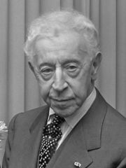 Portrait of Arthur Rubinstein  (click to view image source)