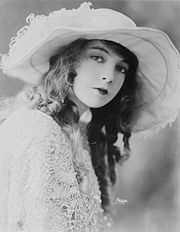 Portrait of Lillian Gish (click to view image source)