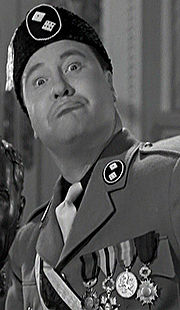 Portrait of Jack Oakie (click to view image source)