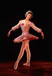 Portrait of Margot Fonteyn (click to view image source)