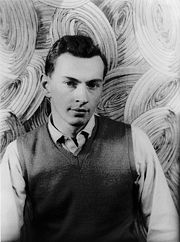 Portrait of Gore Vidal (click to view image source)