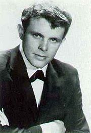 Portrait of Del Shannon (click to view image source)