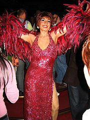 Portrait of Shirley Bassey  (click to view image source)
