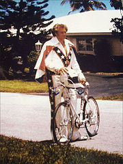 Portrait of Evel Knievel (click to view image source)