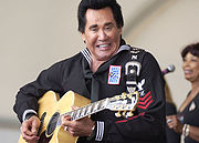 Portrait of Wayne Newton (click to view image source)