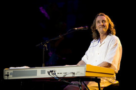 Portrait of Roger Hodgson (click to view image source)
