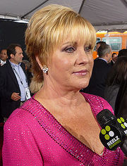 Portrait of Lorna Luft (click to view image source)