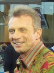 Portrait of Joe Montana (click to view image source)