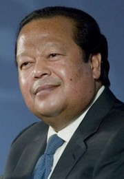 Portrait of Prem Rawat (click to view image source)