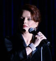 Portrait of Sheena Easton (click to view image source)