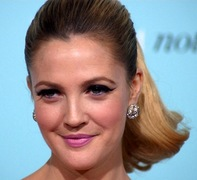 Portrait of Drew Barrymore (click to view image source)
