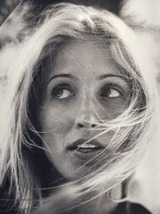 Portrait of Carolyn Bessette-Kennedy  (click to view image source)