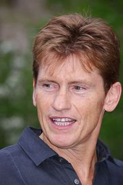 Portrait of Denis Leary (click to view image source)