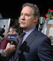 Portrait of Kevin Kline (click to view image source)