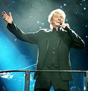 Portrait of Barry Manilow (click to view image source)