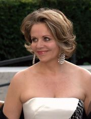Portrait of Renée Fleming (click to view image source)