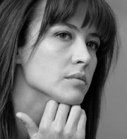 Portrait of Sophie Marceau (click to view image source)