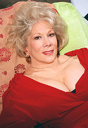 Portrait of Marilyn Michaels (click to view image source)