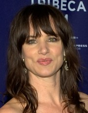 Portrait of Juliette Lewis (click to view image source)
