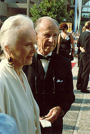 Portrait of Jessica Tandy (click to view image source)