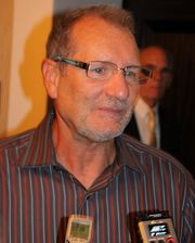 Portrait of Ed O'Neill (click to view image source)