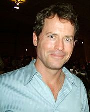 Portrait of Greg Kinnear (click to view image source)