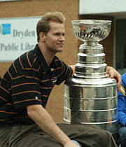 Portrait of Chris Pronger (click to view image source)