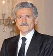 Portrait of Massimo d'Alema (click to view image source)