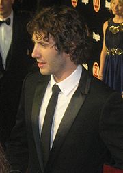 Portrait of Josh Groban (click to view image source)