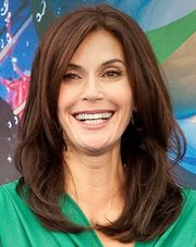 Portrait of Teri Hatcher (click to view image source)