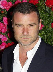 Portrait of Liev Schreiber (click to view image source)