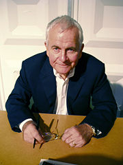 Portrait of Ian Holm (click to view image source)