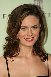 Portrait of Emily Deschanel (click to view image source)