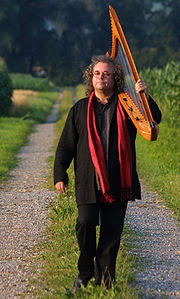 Portrait of Andreas Vollenweider (click to view image source)