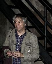 Portrait of Lee Ranaldo (click to view image source)