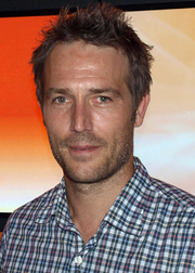 Portrait of Michael Vartan (click to view image source)