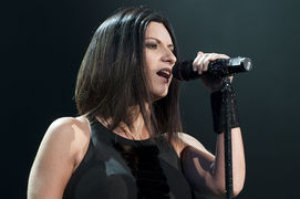 Portrait of Laura Pausini (click to view image source)