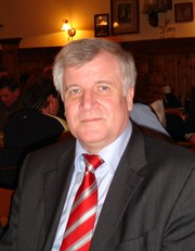 Portrait of Horst Seehofer (click to view image source)