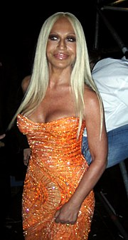 Donatella versace horoscope for birth date 2 may 1955 for Donatella versace beach