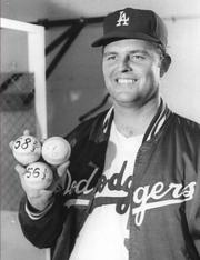 Portrait of Don Drysdale (click to view image source)