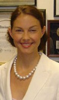 Portrait of Ashley Judd (click to view image source)