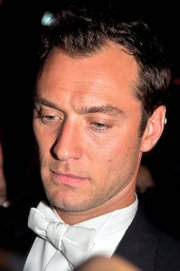 Portrait of Jude Law (click to view image source)